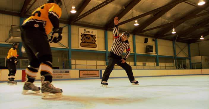 Удар по воротам 3: Молодежная лига - Slap Shot 3: The Junior League