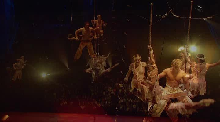 Цирк солнца: Кортеж - Cirque du Soleil: Corteo