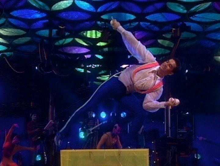 ���� �� �����: �������� ������� - Cirque du Soleil: Saltimbanco