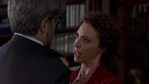 Не возражаешь, если я поцелую маму? - Ti spiace se bacio mamma?