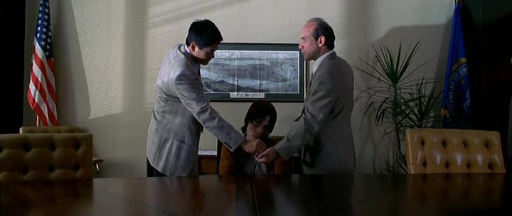 Коррупционер - The Corruptor