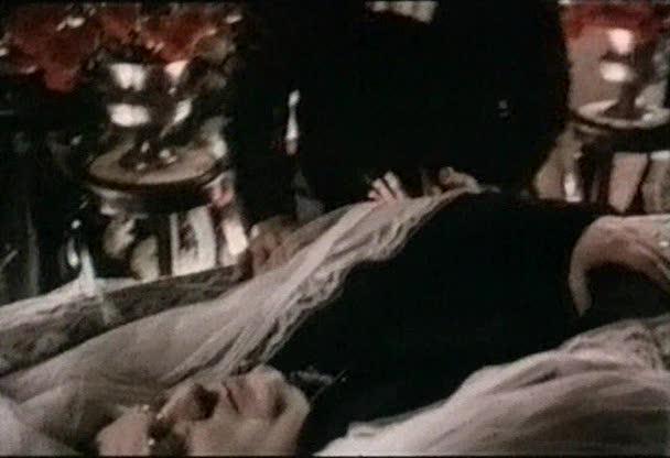 Обнаженное танго - Naked Tango