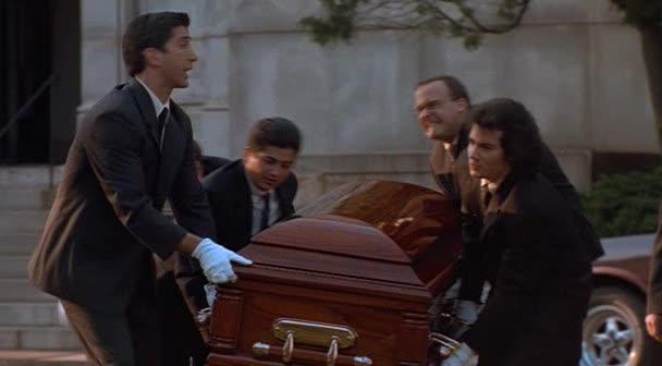Чужие похороны - The Pallbearer