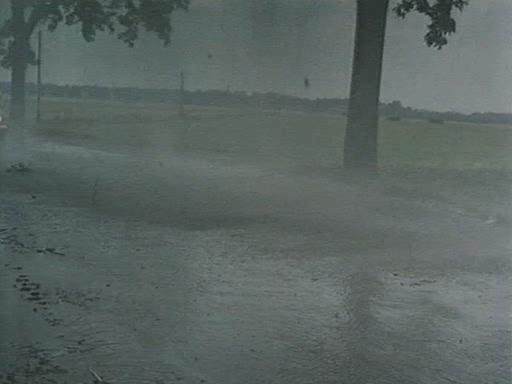 И дождь смывает все следы - Und der Regen verwischt jede Spur