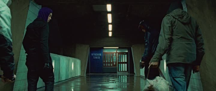 ����� �� ������ - Attack the Block