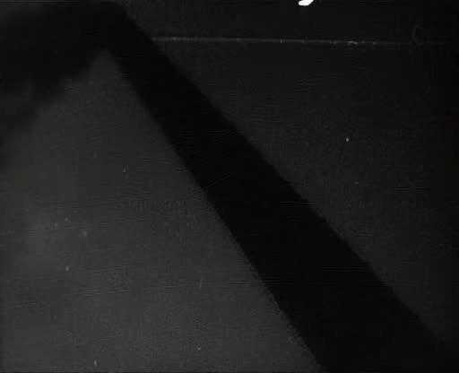 Человек с киноаппаратом - Chelovek s kino-apparatom