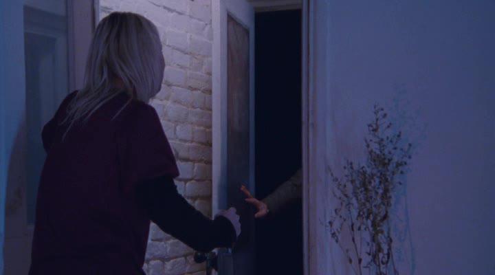 Не впускай его - Dont Let Him In