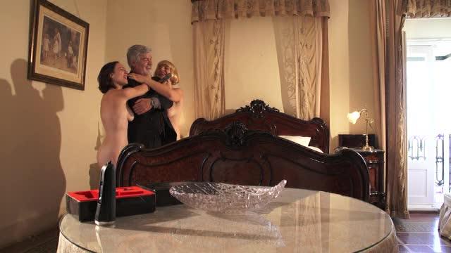 Аль Перейра против девушек-аллигаторов - Al Pereira vs. the Alligator Ladies