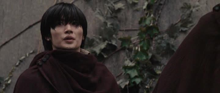 Атака титанов. Фильм второй: Конец света - Shingeki no kyojin endo obu za wГўrudo