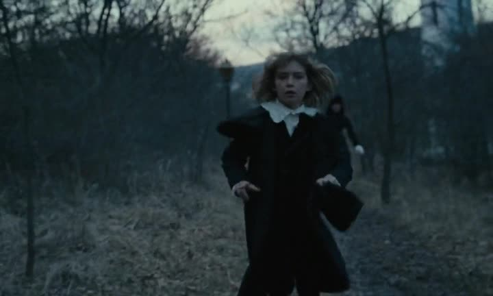 ������� ������ - The Childhood of a Leader