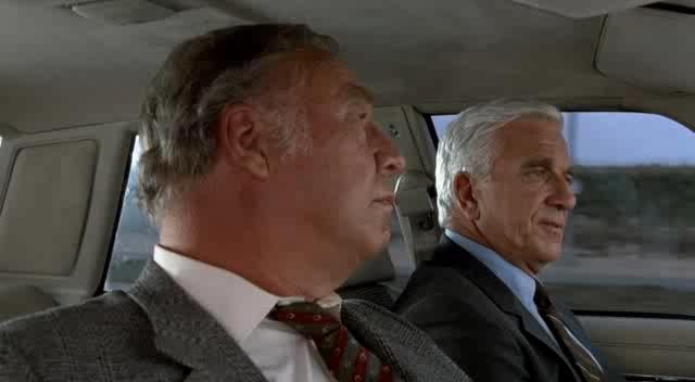 Голый пистолет - The Naked Gun: From the Files of Police Squad!